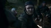 Arya donne la pièce au Soldat Frey