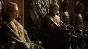 Joffrey et Cersei lors du Massacre dans le Donjon Rouge 1x07
