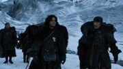 Jon et Qhorin marchent côte à côte