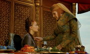 Olenna récupére le poison au cou de Sansa