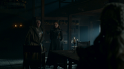 Sansa et Yohn accueillant Daenerys