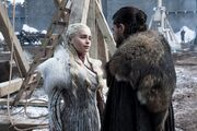 Jon et Daenerys parlant de Sansa 8x01