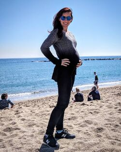 Stephanie pregnant at Barcelona Beaches