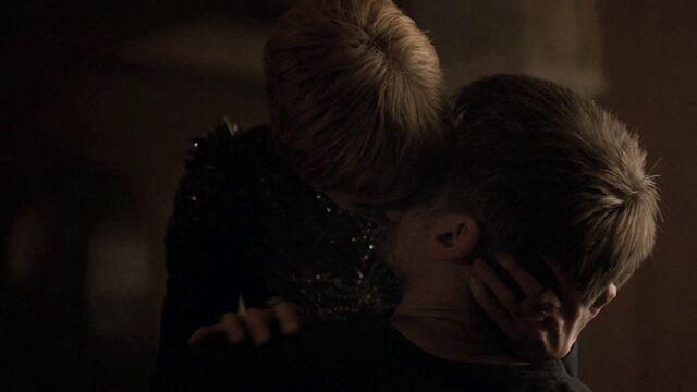 File:Jaime Cersei Kiss S7.jpg