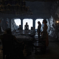 Daenerys Kriegsrat in der Kammer der Bemalten Tafel.