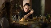 Arya with a knife