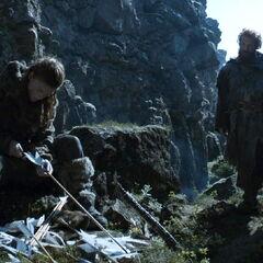 Tormund rozmawia z Ygritte w wąwozie, <a href=