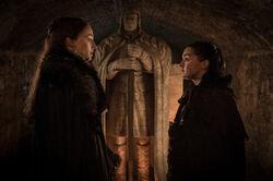 Санса и Арья в крипте Винтерфелла 7x04