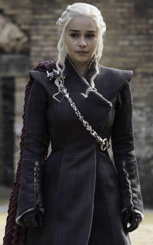 Daenerys targaryen game of thrones wiki fandom powered for Daenerys jewelry season 7