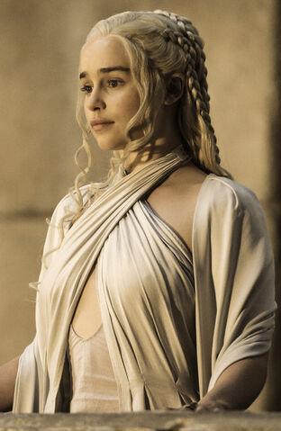 File:Dany Season 5 GOT HBO.jpg