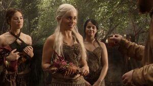 107 Daenerys beim Weinhändler