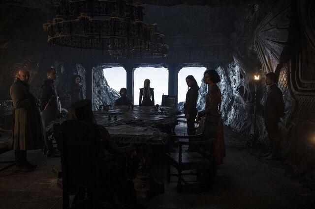 File:Stormborn Dany's Council.jpg