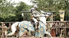 Лорас Тирелл на лошади 1x05