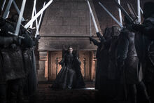 Лорды приветствуют Сансу 8x06