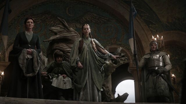 File:Lysa costume at Tyrion's trial.jpg
