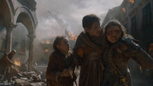 Арья и Нора с дочерью 8x05