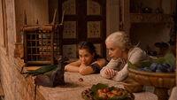 Дорея, Дейнерис и Дрогон 2x05