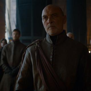 Randyll rozmawia z Cersei o smokach Daenerys.