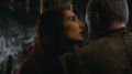 Melisandre talking to davos.png