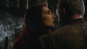 Melisandre talking to davos