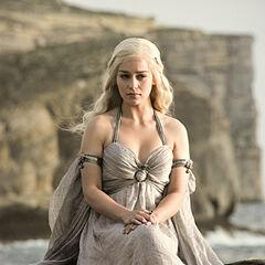 Daenerys w swojej sukni ślubnej.