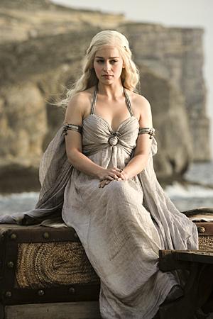 Файл:Daenerys 1x01b.jpg