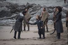 Тирион встречает Джона на берегу 7x03