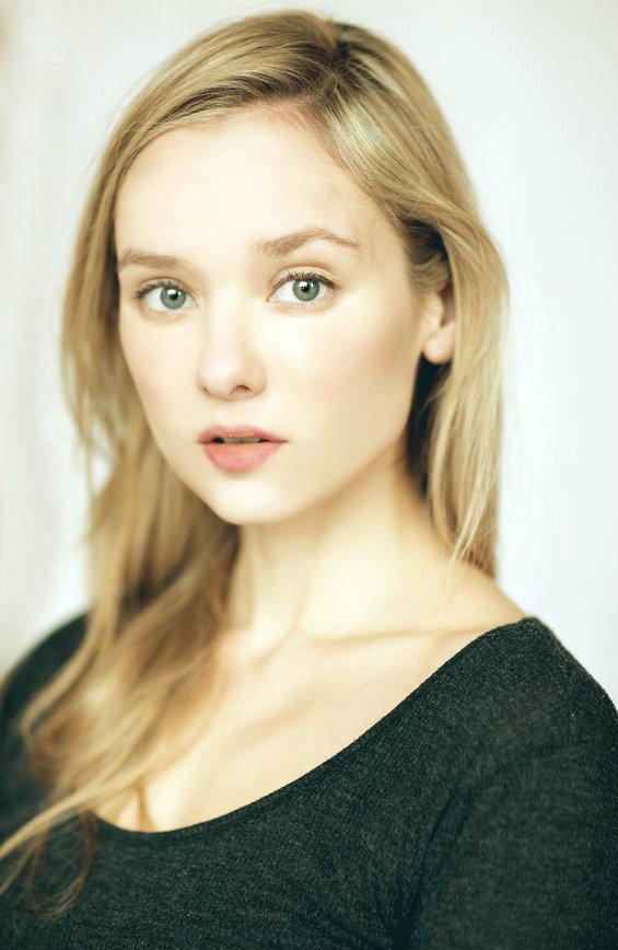 Alexandra Dowling