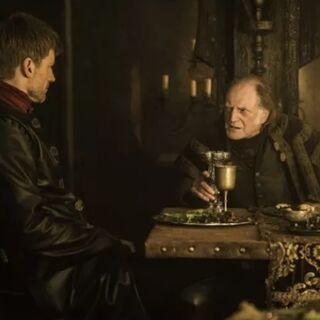 Jaime janta com Walder Frey depois que Correrrio é retomado.
