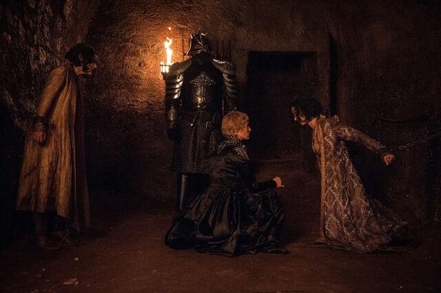 File:Cersei's Prisoners TQJ.jpg