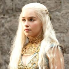 Daenerys in a modified version of traditional Qartheen fashion