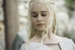 502 Daenerys Targaryen 02
