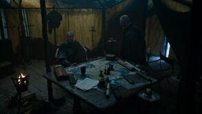 Stannis sends Davos back to Castle Black