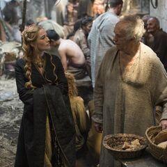 Cersei odwiedza Wielkiego Wróbla.