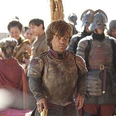 Tyrion przybywa do stolicy.