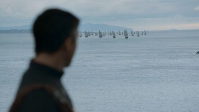 File:Littlefinger Baratheon Ships 2x5.jpg