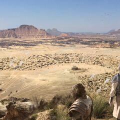 Jorah und Daario kundschaften Vaes Dothrak aus von <i>Karakter</i>
