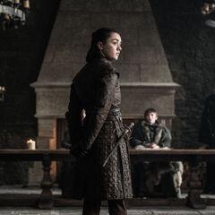 Arya dreht sich zum wahren Angeklagten um