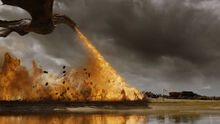 Дрогон уничтожает обоз 7x04