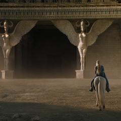 Ворота Міеріна, які прикрашені статуями гарпій.