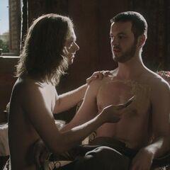 Loras goli swojego kochanka, <a href=