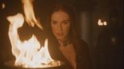 Melisandre burns the letter