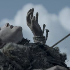 Rickon Stark ist vom tödlichen Pfeil von Ramsay getroffen