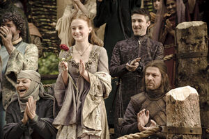 104 Sansa applaudiert