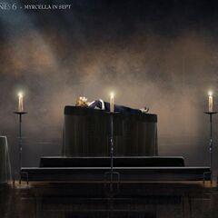 Der Leichnam von Myrcella Baratheon wird in der Septe aufgebahrt.