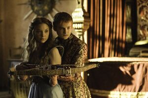 302 Margaery Joffrey 01