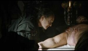 410 Qyburn behandelt Ser Gregor Clegane