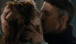 405 Lysa und Baelish Kuss