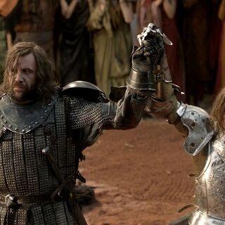 Ser Loras erklärt Sandor Clegane zum Sieger des Turniers