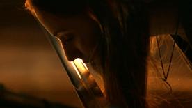 Sansa kissing Hearteater